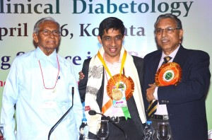 Prof. Shashank Joshi receiving the  National Congress on Clinical Diabetes  (NCCD) oration award from Prof. Samar Banerjee and Prof.B. Sadhukhan.